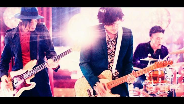 ニューシングル『瞬き』のカップリング曲「ARTIST」のMUSIC VIDEOを動画サイトで公開!